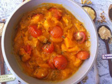 Pompoensoep met tomaatjes uit de oven