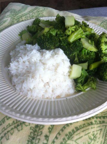 Puur eten: gestoomde broccoli met basmati rijst