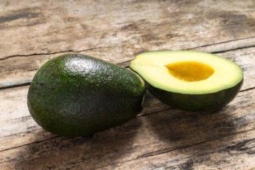 Suikervrij ontbijt / tussendoortje: banaan-avocado puree